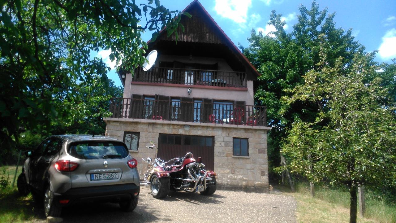 Zeb-10 Liliom ház – Nagymaros – kiadó apartman – szállás